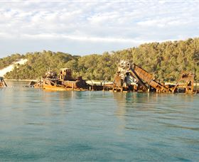 Tangalooma Wrecks Dive Site - Accommodation Cairns