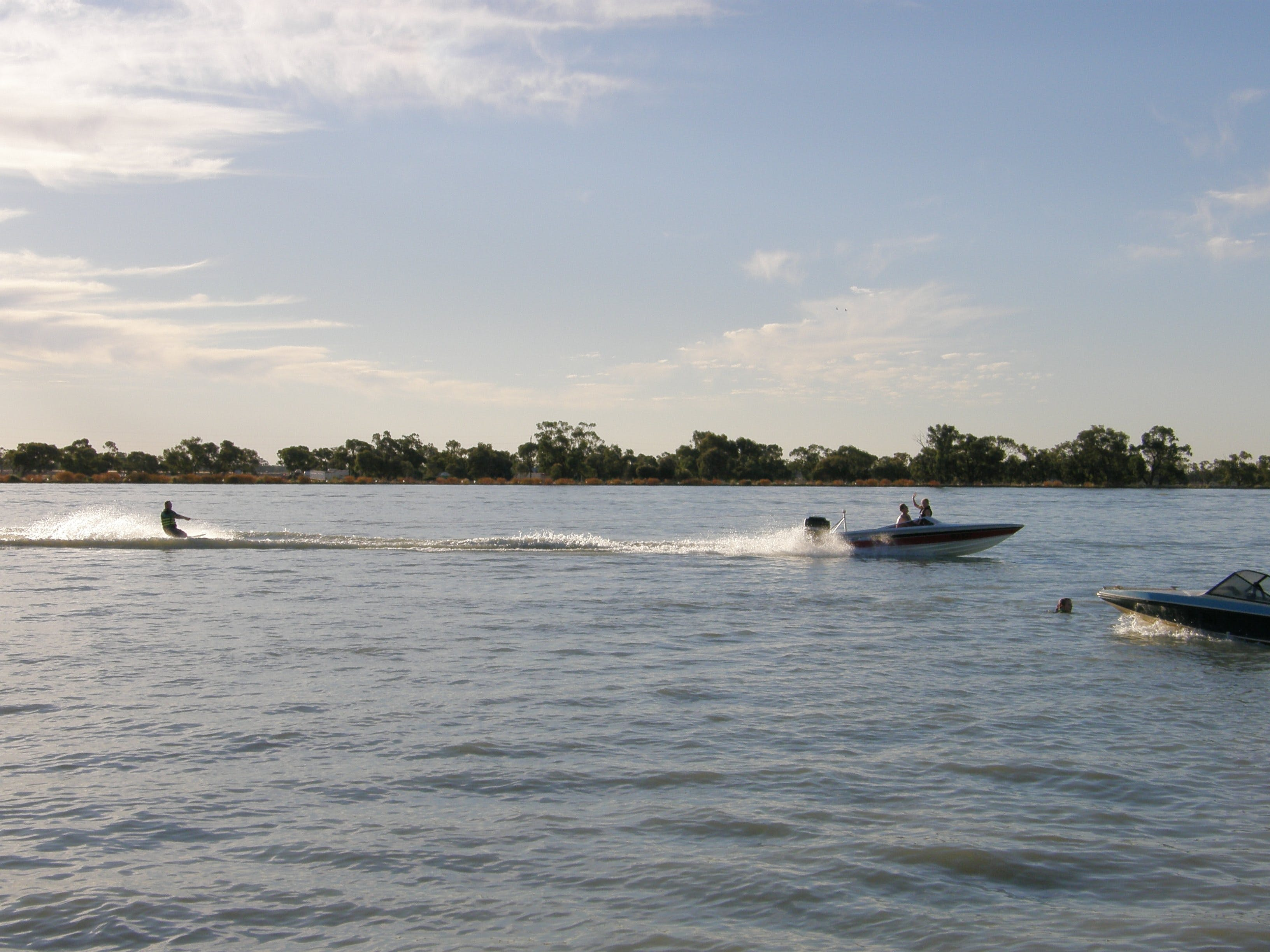 Moulamein Lake - Accommodation Cairns