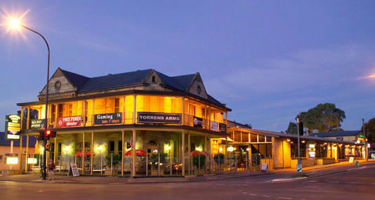 Torrens Arms Hotel - Accommodation Cairns