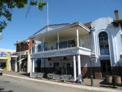 Mount Pleasant Hotel - Accommodation Cairns