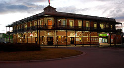 The Grand Terminus Hotel - Accommodation Cairns
