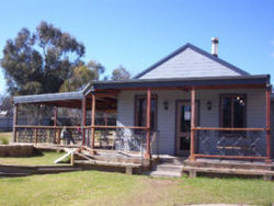 The Globe Hotel. Rylstone - Accommodation Cairns
