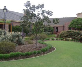 Camden Lakeside Country Club - Accommodation Cairns