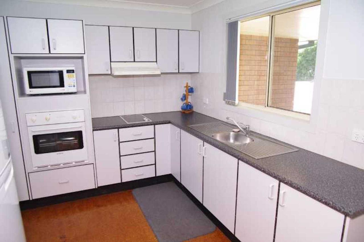 Bellhaven 1 17 Willow Street - Accommodation Cairns