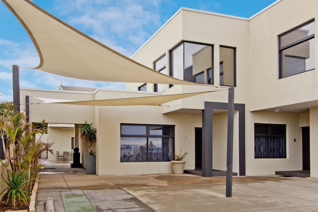 Atlantic West Beach Apartments - Accommodation Cairns