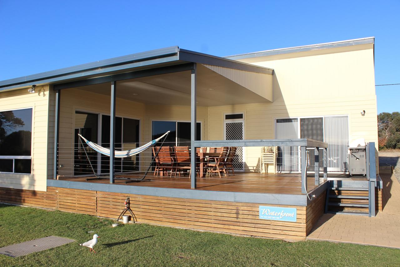 Waterfront on Osprey - Accommodation Cairns