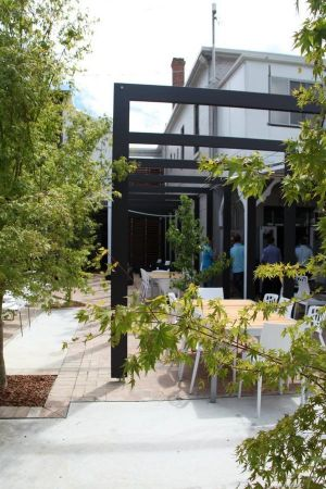 Crossroads Hotel - Accommodation Cairns