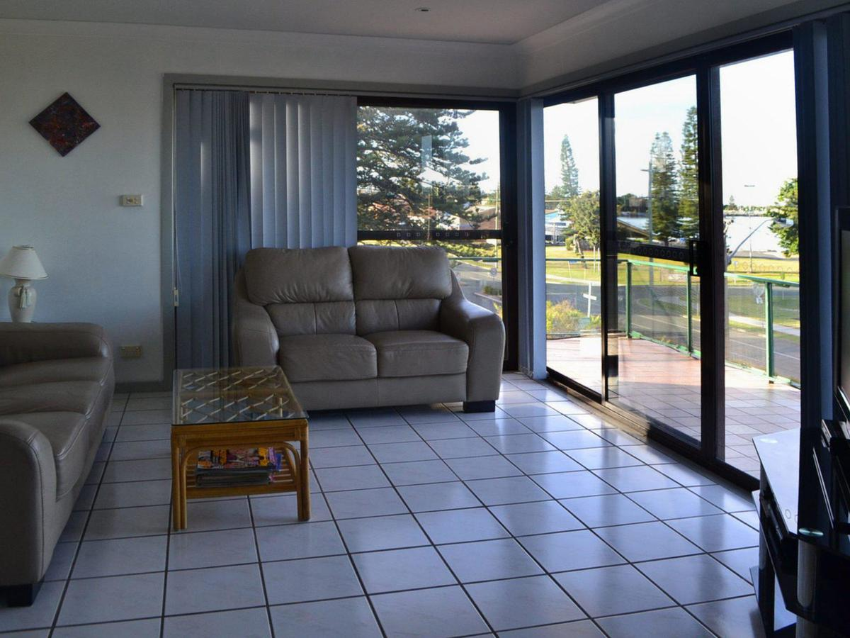 Oxley 8 at Tuncurry - Accommodation Cairns