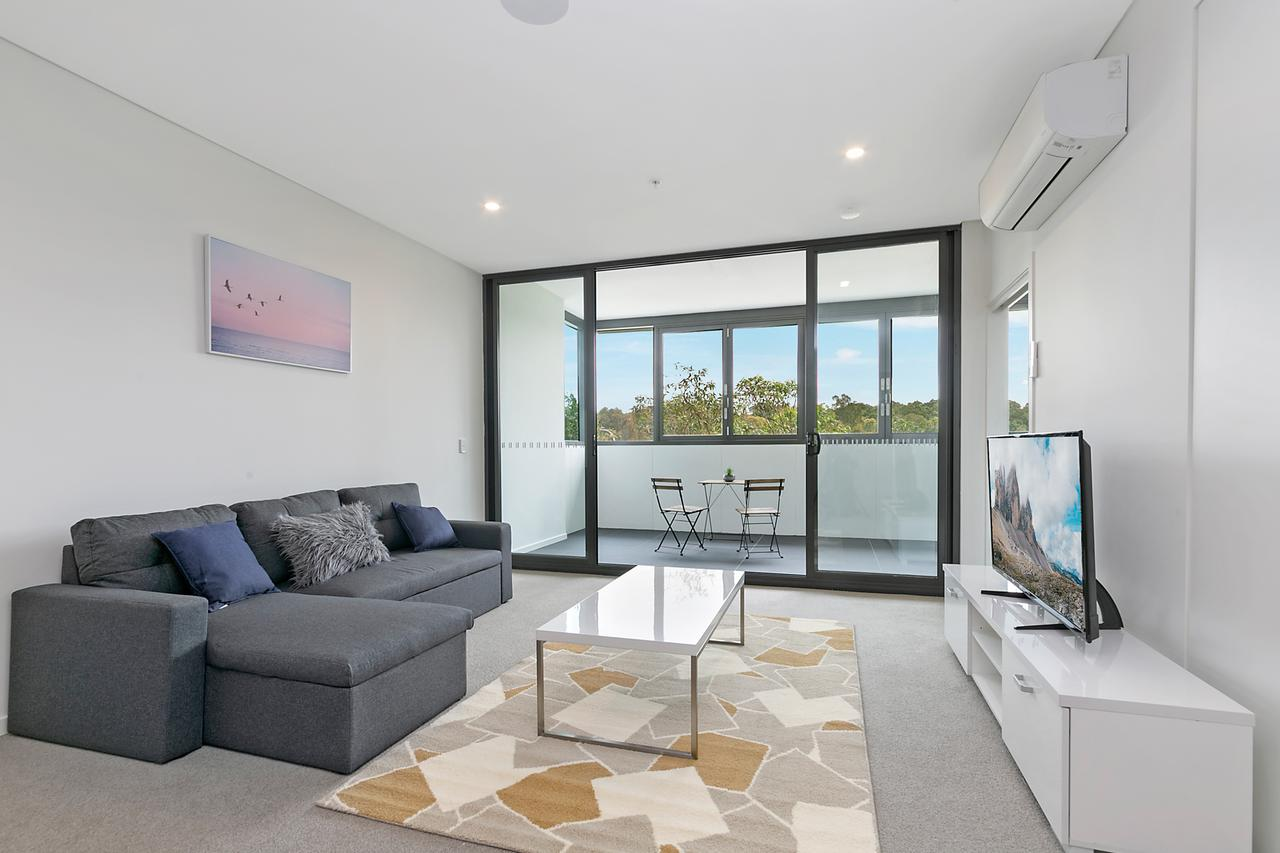 Stylish and Neat two bed apartment in Wentworth Point - Accommodation Cairns