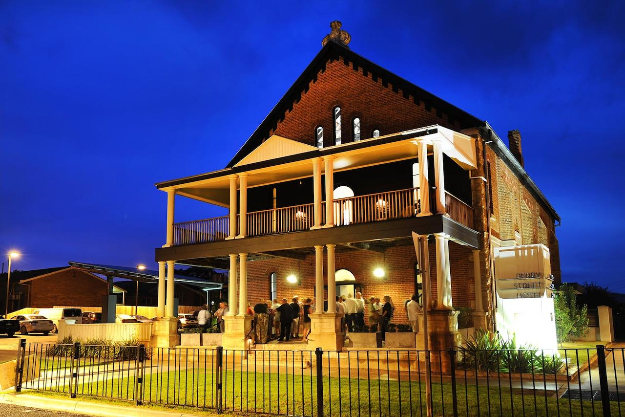Perry Street Hotel - Accommodation Cairns