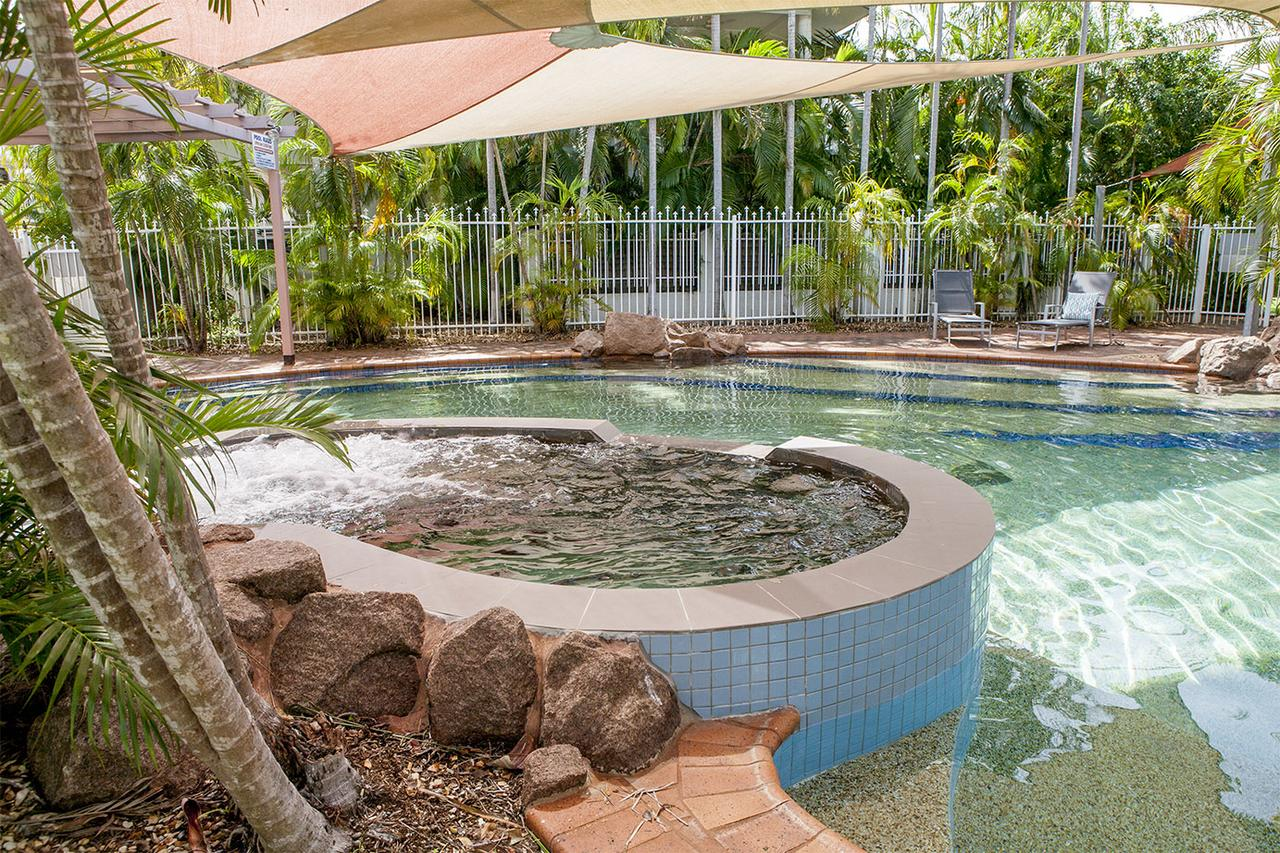 Nightcliff Foreshore Getaway - McKay Gardens - Accommodation Cairns