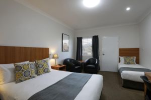 Cadman Motor Inn and Apartments - Accommodation Cairns