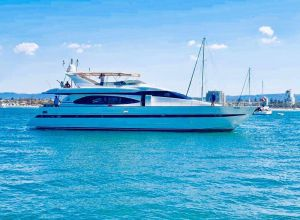 Million dollar Luxury 90ft yacht in Gold Coast - Accommodation Cairns
