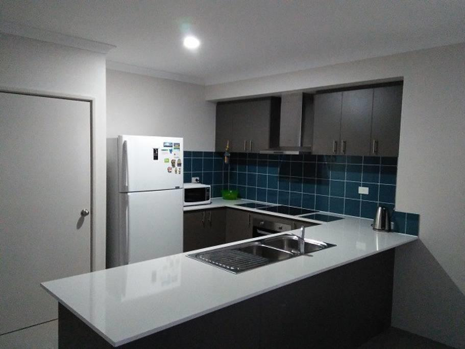 Near Train Station - Accommodation Cairns