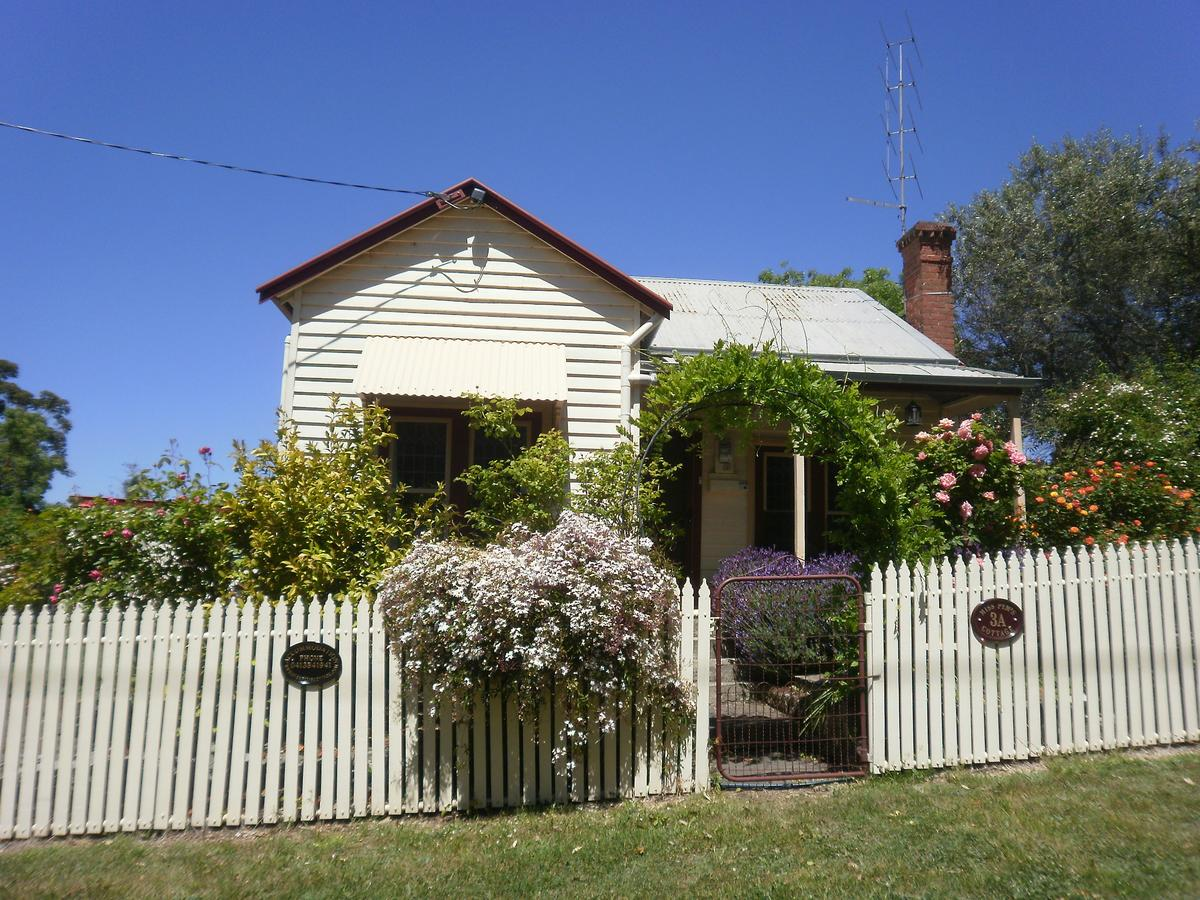 Miss Pym's Cottage - Accommodation Cairns