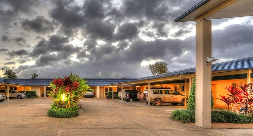 Tropixx Motel  Restaurant - Accommodation Cairns