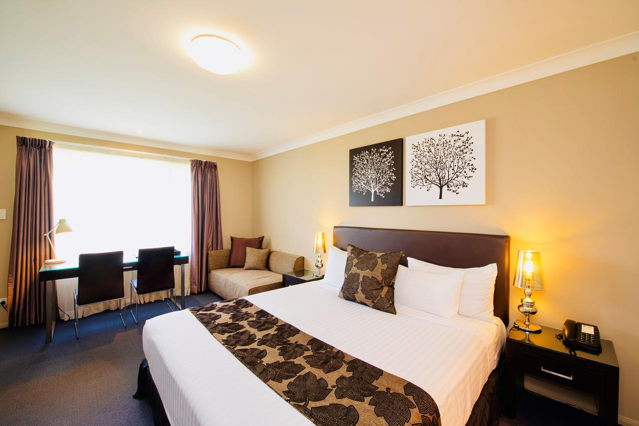 Best Western Plus Ambassador On Ruthven Motor Inn - Accommodation Cairns