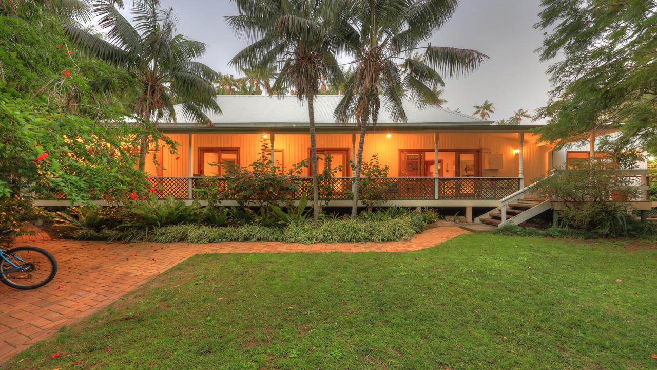 Beachcomber Lodge - Accommodation Cairns