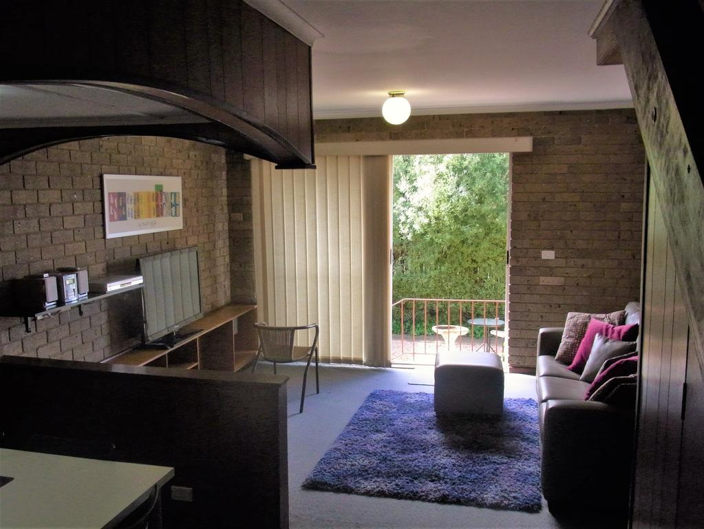 A Furnished Townhouse in Goulburn - Accommodation Cairns